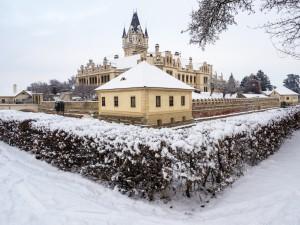 Schloss Grafenegg 8 Winter Seitenansicht