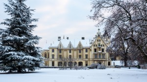 Schloss Grafenegg 9 Winter Frontansicht