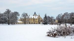 Schloss Grafenegg Winter Frontansicht 11
