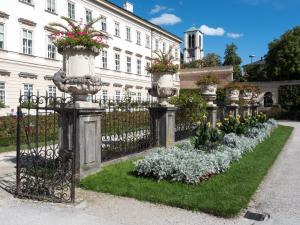 Schloss Mirabell Garten 3