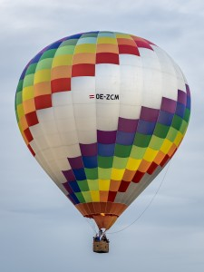 Heißluftballon OE-ZCM bunt 6